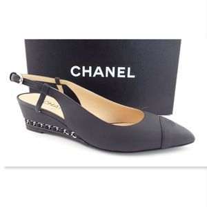 New CHANEL CC Logo Black Chain Wedge Heels 37.5